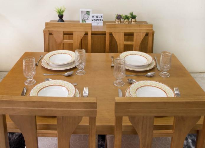 Ambientação de móveis de madeira para sala de jantar.